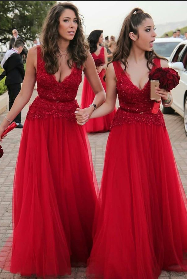 Elegant Long Lace Applique Red Bridesmaid Dresses With V Neck And Belt