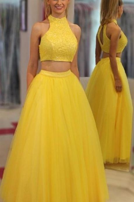 2018 New Arrival Yellow Beaded 2 Piece Prom Dresses WIth Halter Neckline