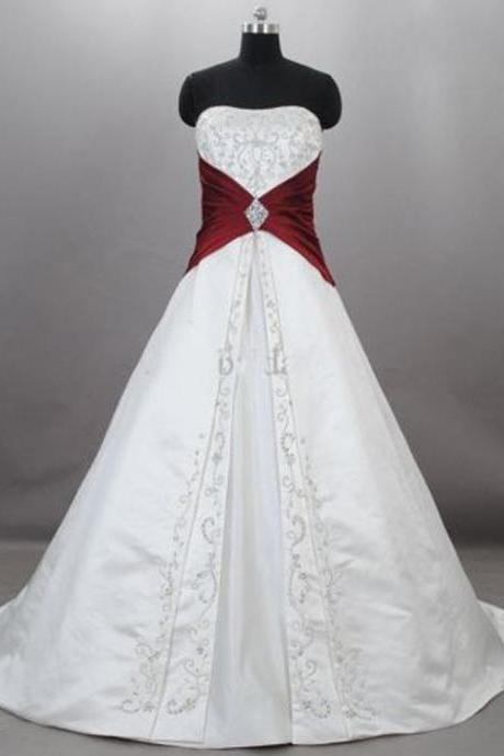 Fashion Burgundy Wedding Gowns Floor Length Satin Embroidered Sweetheart Strapless Chapel Train Wedding Bridal Dresses