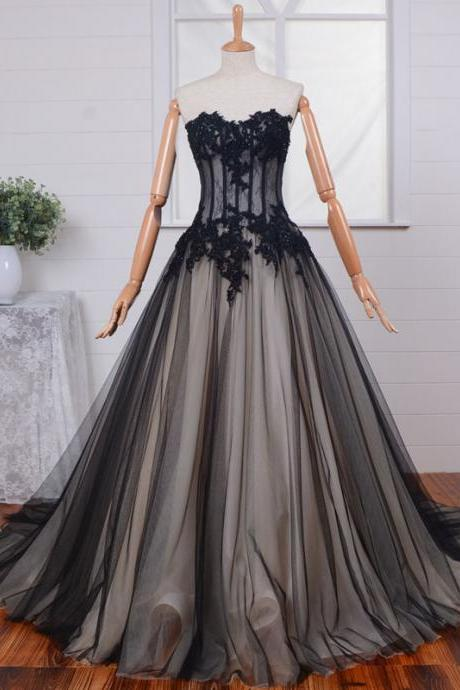 Fashion Sweetheart Lace Appliques Formal Dresses Black Tulle Floor Length Prom Gowns With Chapel Train
