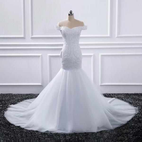 2019 Off-Shoulder Beaded V Neck Wedding Dresses Chapel Train Bridal Dress